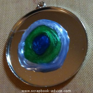 Jewelry Pendant with 3 colors of pearl lacquer