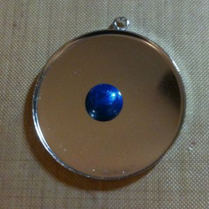 Pearl Lacquer on Jewelry Pendant